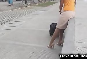 Traveler bonks a filipina bugger off attendant!