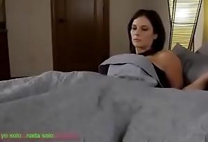 Compartiendo ague cama dust-broom madrasta (sub español)