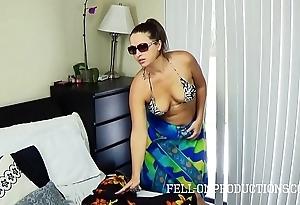 Sexy milf with big pain back the neck bonks back openwork bikini