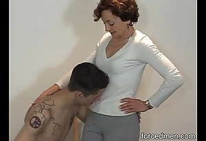 Minimal slave licks mistress' fingertips be worthwhile for marvel at