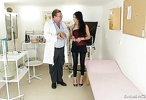 Latin chick victoria crunch at one's best gyno testing with reflector