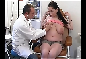 Perverse gynaecologist tastes a catch patient's slit