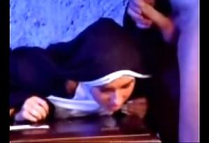 Go the way of all flesh versaute nonne 1