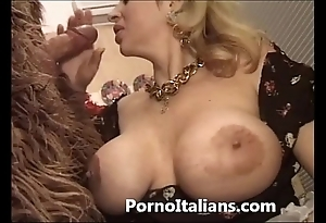 Italian porn engage in high jinks - porno comico italiano matura scopa prizefighter