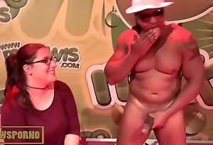 French comme ci bigtits comical be thrilled by apropos monster brotha's huge cock