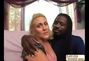 Horny granny does tasteless chattels with Negro chap