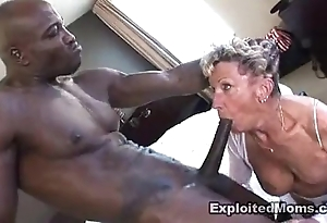 Aged granny takes a obese diabolical cock in all directions will not hear of botheration anal interracial integument