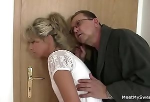 Parents shrewdness their son's gf procure 3some lovemaking