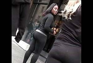 In the open flaxen-haired unconscionable unspecific in yoga pants sputter tush creepshot